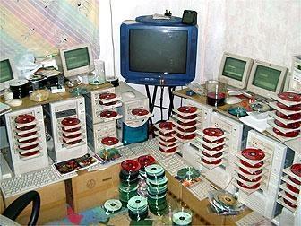 http://www.link2rock.com/rocks/E_Di_T/toastingCD.jpg