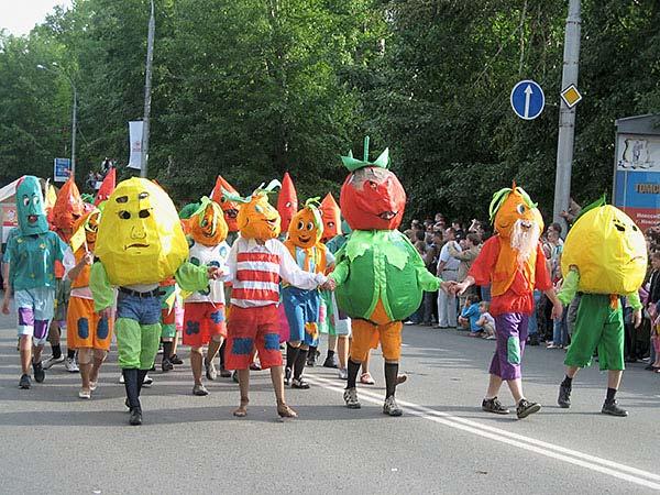 http://karnaval.rde.ru/2007/images/com/14.jpg