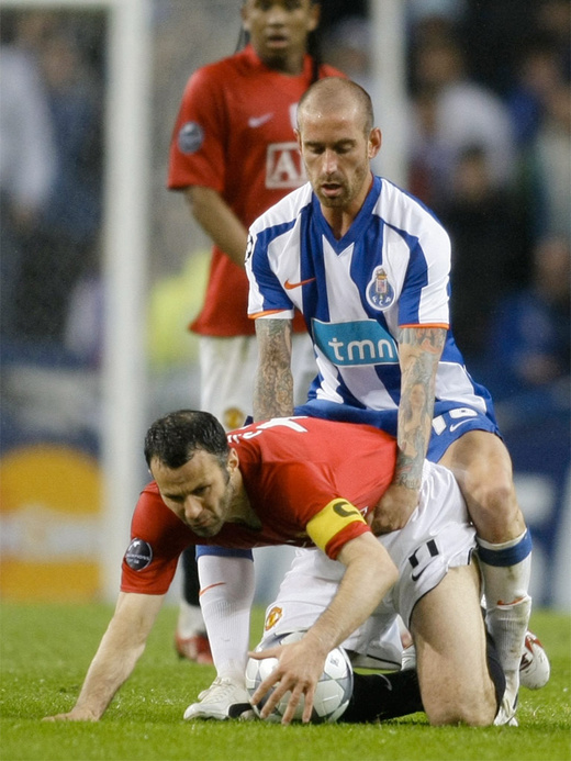 http://s3.foto.sportbox.ru/sites/default/files/imagecache/medium-photos/Portu-Manchiestier-Iunaitied3-2009-04-15REUTERS-Miguel-Vidal.jpg