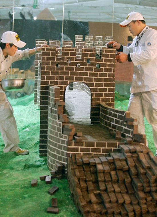 http://www.designboom.com/cms/images/ridhika10/choc01.jpg