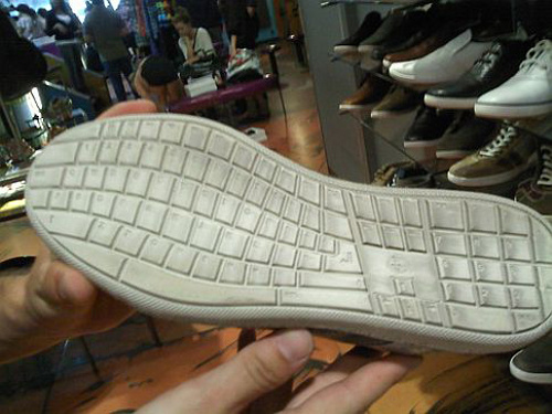 http://www.journaldugeek.com/files/2010/08/500x_qwerty-shoes500.jpg