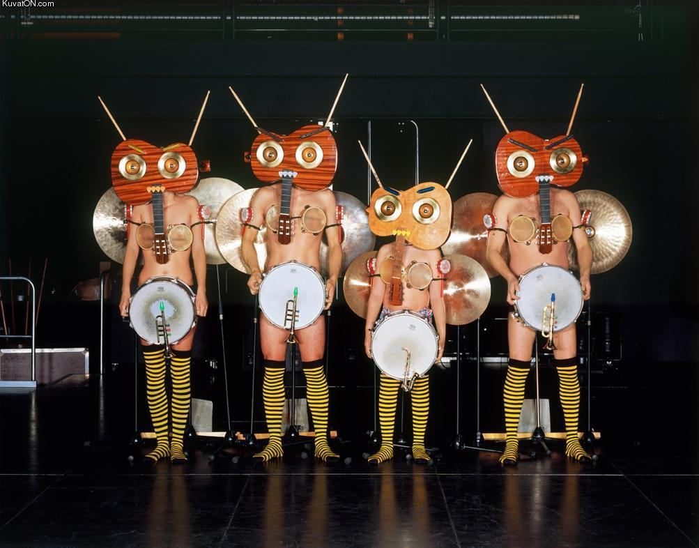 http://pics.kuvaton.com/kuvei/band.jpg