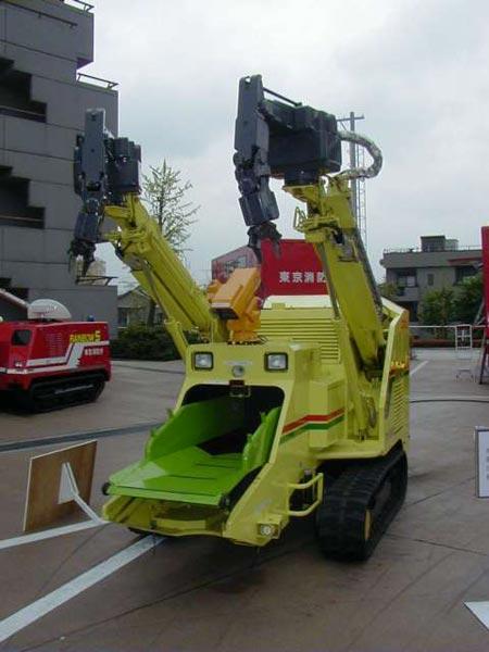 http://www.geekologie.com/2008/04/22/killer-robot-3.jpg