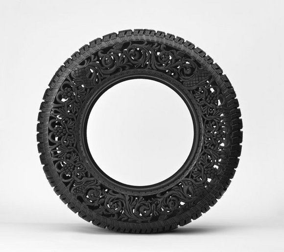 http://2.bp.blogspot.com/-XoupTA30PAM/TmjjdISpvmI/AAAAAAAAG00/PPiNgxXLhvg/s1600/Wim-Delvoye_untitled-car-tyre-No4_4_2009_213bbc149b.jpg