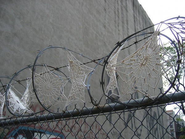 http://thisiscolossal.com/wp-content/uploads/2011/04/crochet-2-600x450.jpg
