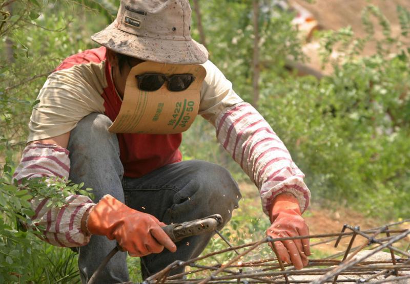http://cameralabs.org/media/cameralabs/images/Tanya/May/11.05/s_c08_RTR1ECDC.jpg