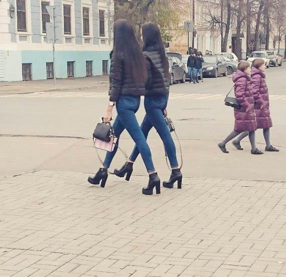 http://ic.pics.livejournal.com/kukmor/14257925/6812776/6812776_original.jpg